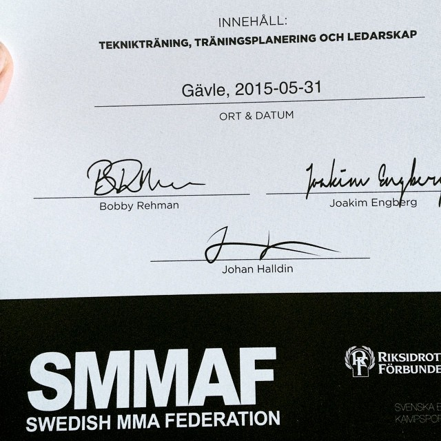 Certifierad MMA coach frn svenska MMA frbundet efter en grymhellip